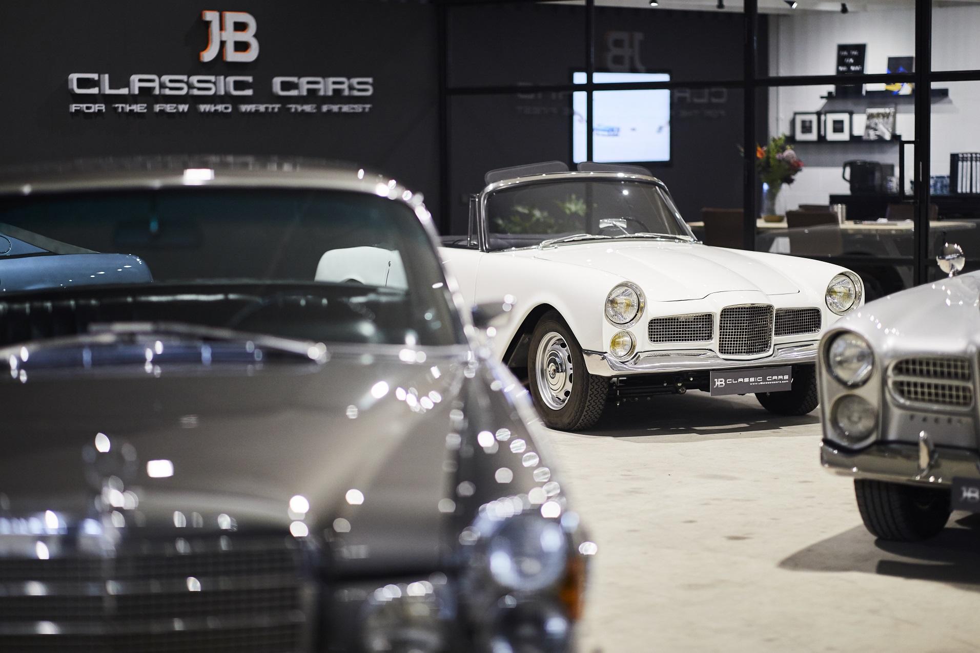 JB Classic Cars - showroom (1) - kopie